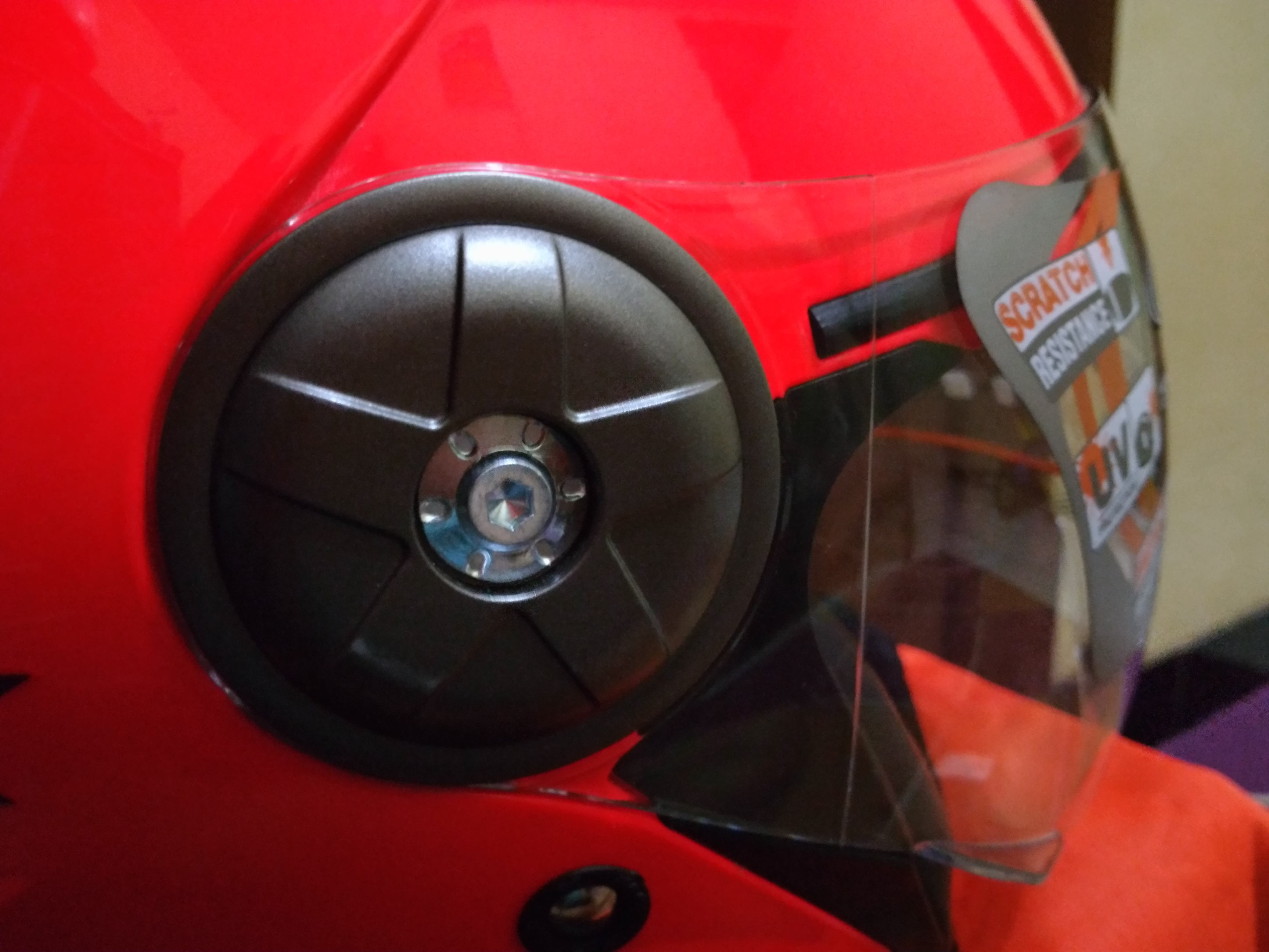 pengunci visor utamanya pake baut L